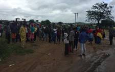 Scores of Vuwani residents have started gathering as they prepare to march to the municipal office over demarcation battles on 6 February 2017. Picture: Thomas Holder/EWN.