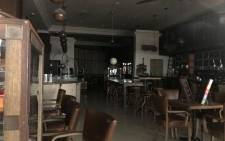 A restaurant in Cavendish Square Mall in Claremont, Cape Town closed due to load shedding. Picture: Kaylynn Palm/EWN