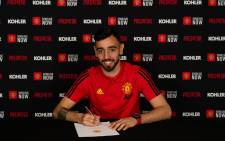Portugal midfielder Bruno Fernandes signs for Manchester United on 30 January 2020. Picture: @ManUtd/Twitter