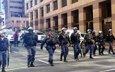 Police during the construction workers strike in Cape Town CBD. Picture: Renee de Villiers/EWN