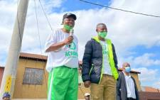 ActionSA leader and Johannesburg mayoral candidate Herman Mashaba and Soweto's Ward 127 councillor candidate Lwanda Bini on 26 October 2021. Picture: @Action4SA/Twitter