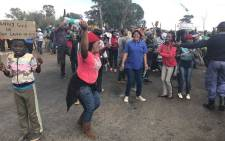 Residents of Finetown in Lenasia South protesting over land grabs and land distribution. Picture: Kgothatso Mogale/EWN