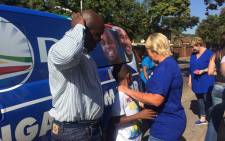 DA Tshwane mayoral candidate Solly Msimanga & Glynnis Breytenbach at Capital Park in Pretoria. Picture: Gia Nicolaides/EWN