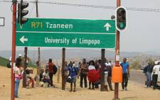 Some students already leaving the University of Limpopo's Turfloop campus amid Fess Must Fall protests. Picture: Pelane Phakgadi/EWN.