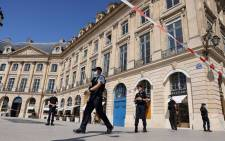 French Nationale Police officers form a security cordon on the Place Vendome square in Paris, on 7 September 2021, after a suspected heist of a store of Italian luxury brand Bulgari in the French capital. Picture: Thomas COEX/AFP