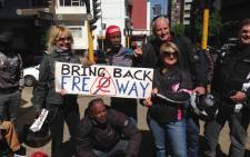 Bikers, students and motorists are hooting and holding up placards in another show of opposition to e-tolls. Picture: Reinart Toerien/EWN.