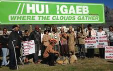 """A Khoisan group erected a sign """"reinstating Cape Town's original name"""" on 28 June 2012. Picture: Aletta Gardner/EWN"""