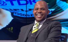 FILE: SABC soccer analyst David Kekana. Picture: @AbsaPremNews/Twitter.