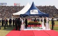 Former Zimbabwean president Robert Mugabe's body arrives at Rufaro Stadium, which was at about 90% capacity, to the sound of cheers from the crowd. Picture: Thomas Holder/EWN.