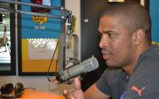 Proteas star bowler Vernon Philander in the 567 CapeTalk studios. Picture: EWN.
