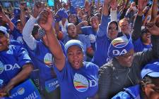 DA supporters in Cape Town cheer during a rally to celebrate election results on 5 August 2016. Picture: Aletta Harrison/EWN.