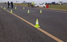 FILE: Police and traffic officials at a roadblock during the SA lockdown, which is in place to curb the spread of the coronavirus. Picture: @SAPoliceService/Twitter.