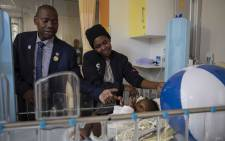 Health Minister Zweli Mhkize visited the Nelson Mandela Children's Hospital as part of his 67 minutes on Mandela Day. Picture: Abigail Javier/EWN