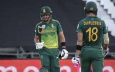 South Africa's Aiden Markram (L) looks at his broken bat during the 5th One Day International (ODI) cricket match between Sri Lanka and South Africa at Newlands Stadium in Cape Town, on 16 March 2019. The Proteas won the first 4 ODI's in this series. Picture: AFP