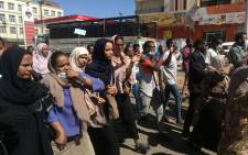 Sudanese demonstrators gather in Khartoum's twin city Omdurman on 20 January 2019, where Sudanese police fired tear gas at protesters ahead of a planned march on parliament. Picture: AFP