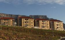 Block of flats on De Waal Drive in Cape Town. Picture: EWN.