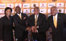 FILE: Steve Komphela posing with Kaizer Chiefs management after was unveiled as the new coach of Soweto giants, Picture: Vumani Mkhize/EWN.