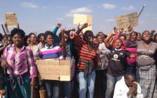 FILE: Women join striking Lonmin mineworkers in Marikana, North West, on 18 August 2012. Picture: Govan Whittles/EWN.