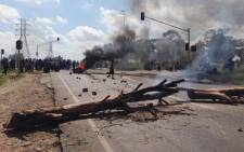 Police say protesters intimidated an officer who shot and killed Tshepo Babuseng. Picture: Lesego Ngobeni/EWN.