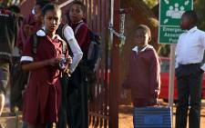 Roodepoort Primary School pupils arrive for their first day back in class as their school is reopened. Picture: Reinart Toerien/EWN
