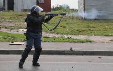 Informal settlers in Philippi have vowed to stay put even after their shacks were torn down by police and the City of Cape Town's Anti-Land Invasion Unit.