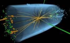Characteristics expected from the decay of the SM Higgs boson to a pair of photons (dashed yellow lines and green towers). Picture: CERN