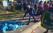 Self-proclaimed, staunch ANC supporter says poor service delivery under DA rule in Vrygrond must go. Picture: Natalie Malgas/EWN.
