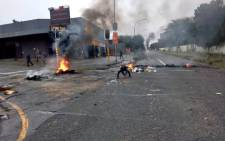 Johannesburg residents have been cautioned to avoid Bellavista Road due to protests action in the area. Picture: @AsktheChiefJMPD/Twitter.
