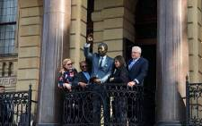 Mayor Patricia de Lille and Western Cape Premier Helen Zille were among dignitaries who attended the unveiling of a statue of Nelson Mandela at the Cape Town City Hall. Picture: Bertram Malgas/EWN