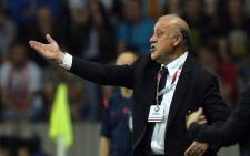 Spain's coach Vicente del Bosque gestures from the touchline during the Euro 2016 group C qualifying football match between Belarus and Spain in Borisov, outside Minsk, on 14 June, 2015. Picture: AFP.