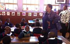 Basic Education Minister Angie Motshekga teaches Grade 3 pupils at Tsakane Primary School, east of Johannesburg, as part of Mandela Day on 18 July 2011. Picture: Tshepo Lesole/EWN
