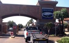 The entrance to Oscar Pistorius' Pretoria home where he allegedly shot and killed hid girlfriend on 14 February 2013. Picture: Barry Bateman/EWN