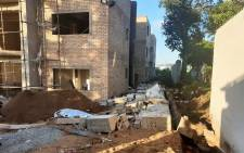 Three construction workers were killed when a wall collapse at the building they were working on in Isipingo, KwaZulu-Natal. Picture: @_ArriveAlive/Twitter