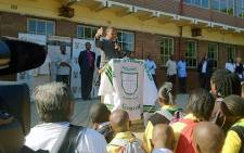 Deputy President Kgalema Motlanthe addresses pupils at Pholosho School in Alexandra on the first day of school 9 January 2013. Picture: Mbali Sibanyoni/EWN