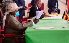 Tanzanian President John Magufuli (R) signed an agreement on 13 September 2020 to commence construction on a 1,445-kilometre oil pipeline through East Africa alongside his Ugandan counterpart Yoweri Museveni (L). Picture: @KagutaMuseveni/Twitter