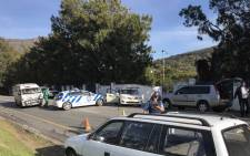 Law officials on scene in Hout Bay where  Imizamo Yethu residents protested. Picture: Monique Mortlock/EWN.