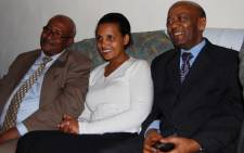 Ethiopian opposition leader Birtukan Mideksa (C) sits with former Ethiopian president Negasso Gidada (R) at her home in Addis Ababa after she was released from jail by Ethiopian authorities on 6 October 2010. Picture: AFP