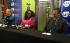 Water and Sanitation Minister Nomvula Mokonyane (centre) and Western Cape Premier Helen Zille (left) at a water indaba in Rawsonville. Picture: Lauren Isaacs/EWN