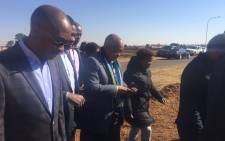 President Zuma's visit to the informal settlement coincided with the launch of the electrification of the community by the City. Picture: Thando Kubheka/EWN