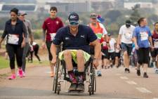 Wings For Life World Run Ambassador Dries Millard, a pioneer of Adaptive Surfing in South Africa, races thousands of South African participants in the South African leg of the third Wings For Life World Run. Picture: Red Bull Content Pool