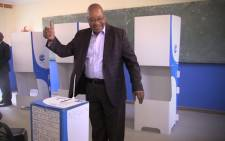 ANC leader Jacob Zuma and his family cast their votes at the Ntolwane Primary School in Nkandla this morning. Picture: Kgothatso Mogale/EWN