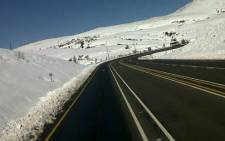 Van Reenens pass reopened after heavy snowfall. Picture: @TrafficSA via Twitter.