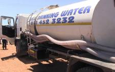 A water tanker arrives in Tsakane on Johannesburg's East Rand on 1 October, 2014. Picture: Reinart Toerien/EWN.