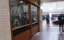 Somerset Mall store robbed. Picture: Twitter @CampherNic