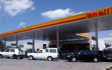 The state of the global economy and a lower demand for fuel are reasons for the fall in the petrol price.
