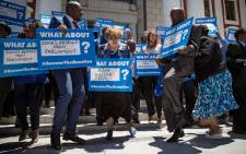 DA leader Helen Zille toyi-toyis alongside other MPs during a protest staged by the party outside Parliament on 20 November 2014. Picture: Aletta Gardner/EWN