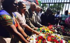 Denis Goldberg and Ahmed Kathrada lay wreaths at the Sharpeville Memorial Centre paying tribute to those who fought during the liberation struggle. Picture: Ziyanda Ngcobo/EWN.