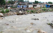 Shack dwellers living on the banks of the Jukskei River in Alexandra. Picture: Taurai Maduna/Eyewitness News