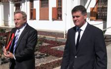 Murder accused Jason Rohde and defense lawyer Tony Mostert walk out of Stellenbosch Magistrate Court. Picture: Anthony Molyneaux/EWN