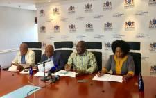 Premier David Makhura, Health Minister Aaron Motsoaledi and Health MEC Gwen Ramokgopa. Picture: @GautengGov/Twitter.